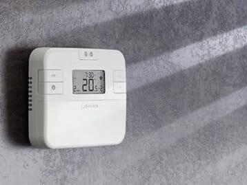 Терморегуляторы бытовые Salus и контроллеры TECH